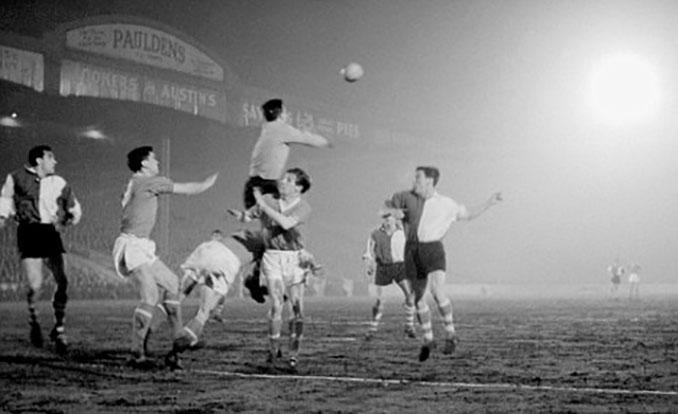 Manchester United vs Athletic Club disputado en 1957 en Maine Road - Odio Eterno Al Fútbol Moderno