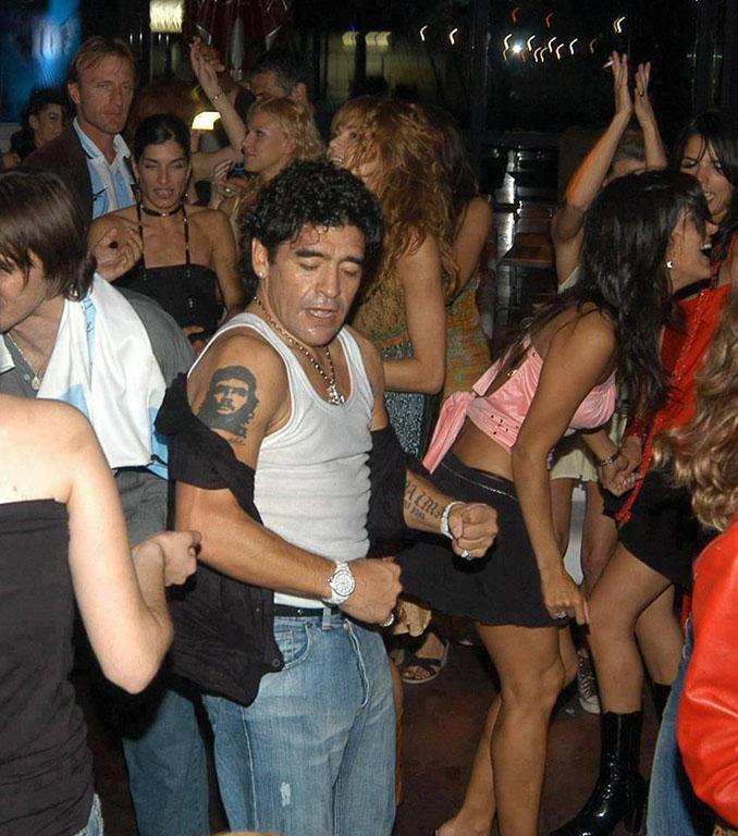 La vida de Maradona siempre ha estado rodeada de polémica - Odio Eterno Al Fútbol Moderno