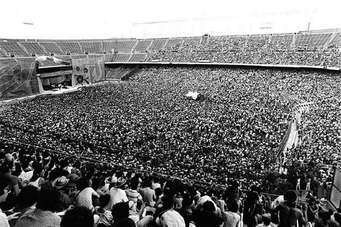 Concierto de los Rolling Stones de 1982 en el Estadio Vicente Calderón - Odio Eterno Al Fútbol Moderno