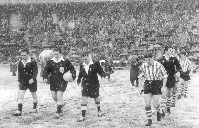 """""""El partido de la nieve"""", Athletic Club vs Manchester United de 1957 - Odio Eterno Al Fútbol Moderno"""