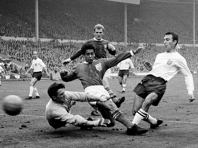 Primer gol de Inglaterra en el partido del centenario de la Football Association - Odio Eterno Al Fútbol Moderno
