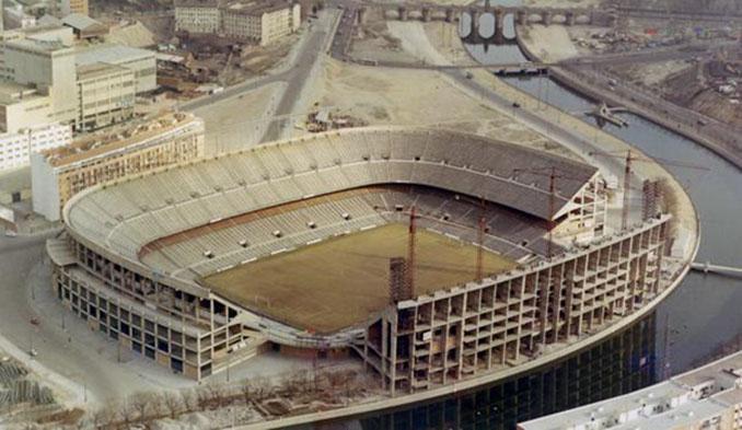 Estadio Vicente Calderón durante su construcción - Odio Eterno Al Fútbol Moderno