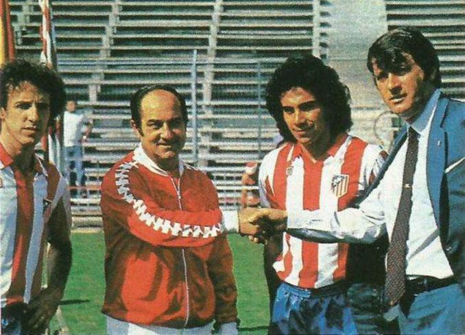 Presentación de Hugo Sánchez con el Atlético de Madrid - Odio Eterno Al Fútbol Moderno