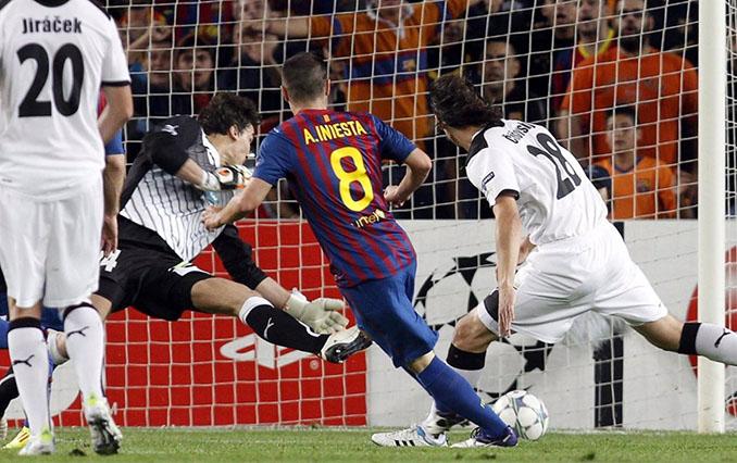 Gol de Iniesta al Viktoria Plzen - Odio Eterno Al Fútbol Moderno