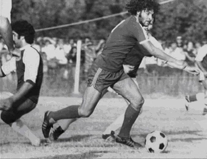 Vasilis Hatzipanagis durante su etapa en el FC Pakhtakor Tashkent - Odio Eterno Al Fútbol Moderno