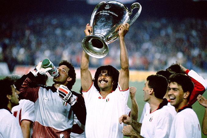 Futbolistas del AC Milan celebrando la Copa de Europa de 1989 - Odio Eterno Al Fútbol Moderno