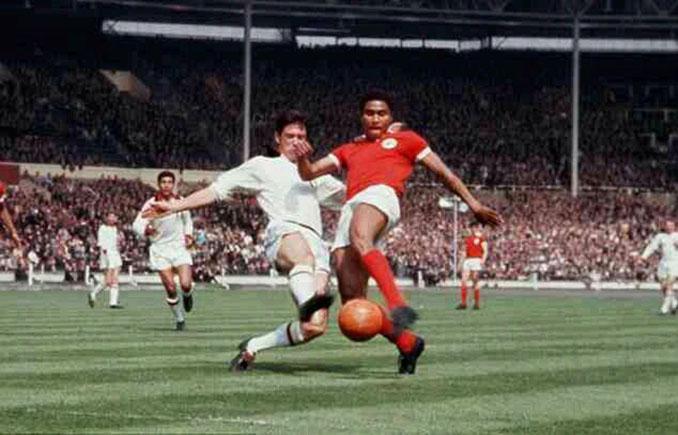 AC Milan vs SL Benfica de la final de la Copa de Europa de 1963 - Odio Eterno Al Fútbol Moderno