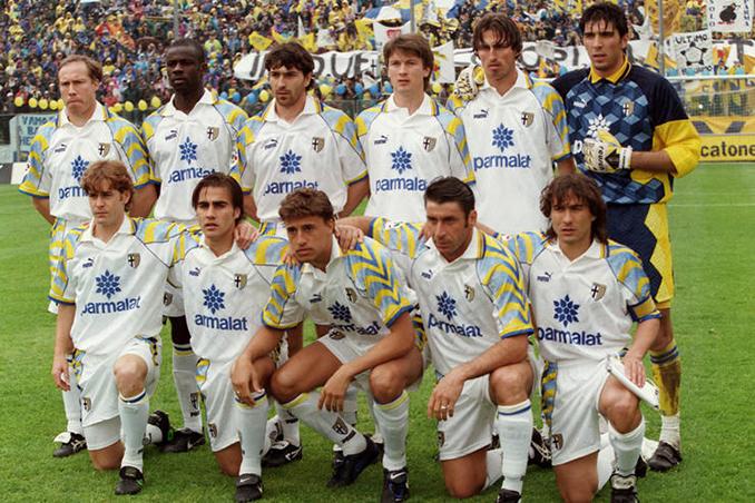 Parma con su legendaria publicidad de Parmalat - Odio Eterno Al Fútbol Moderno
