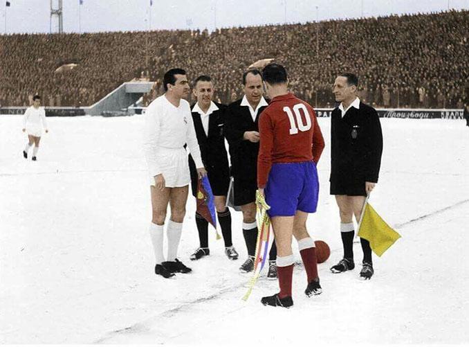 Sorteo de campos del Partizan vs Real Madrid disputado en 1956 - Odio Eterno Al Fútbol Moderno
