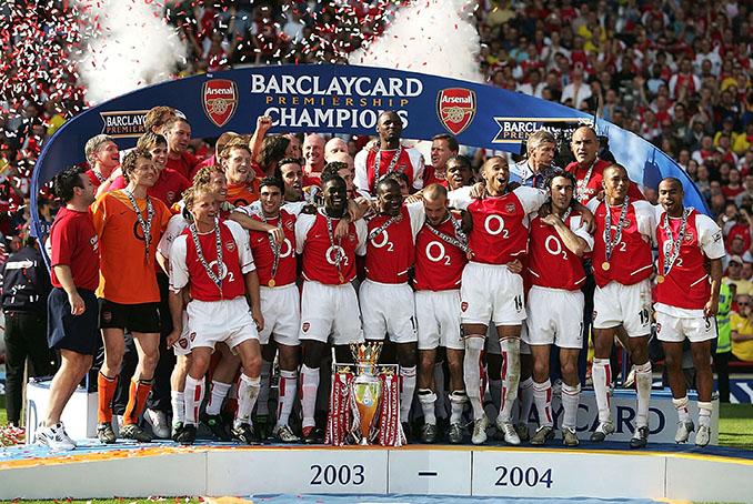 """Arsenal de """"Los Invencibles"""" celebrando en Highbury la Premier League 2003-2004 - Odio Eterno Al Fútbol Moderno"""