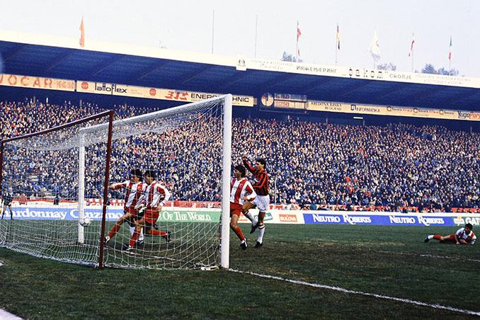 Gol de Van Basten en el Estrella Roja vs Milan de 1988 - Odio Eterno Al Fútbol Moderno