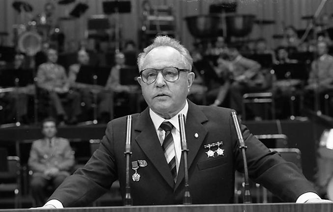 Erich Mielke, director de la Stasi y presidente del Dinamo de Berlín - Odio Eterno Al Fútbol Moderno