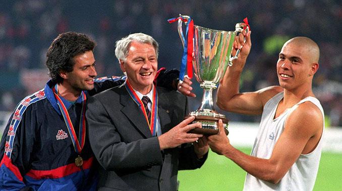 Mourinho , Robson y Ronaldo con la Recopa de 1997 - Odio Eterno Al Fútbol Moderno
