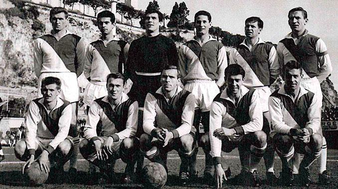 La camiseta del Mónaco luce su famosa diagonal desde 1960 - Odio Eterno Al Fútbol Moderno