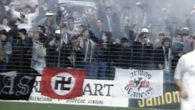 Esvástica que Guus Hiddink mandó retirar en el Luis Casanova - Odio Eterno Al Fútbol Moderno