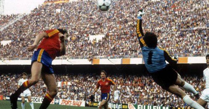Arconada en un partido del Mundial de 1982 - Odio Eterno Al Fútbol Moderno