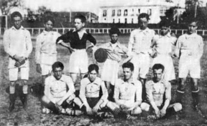 Alineación del Real Betis en el derbi sevillano del 10 de marzo de 1918 - Odio Eterno Al Fútbol Moderno