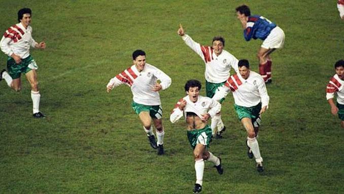 Un gol de Kostadinov en el último suspiro dejó a Francia sin participar en la Copa del Mundo de 1994 - Odio Eterno Al Fútbol Moderno