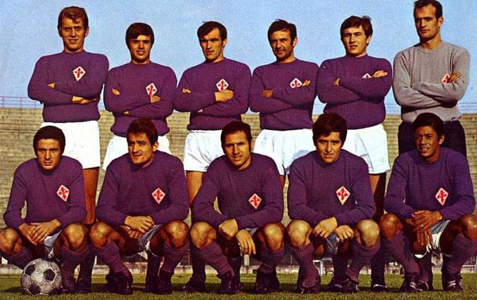 La camiseta de la Fiorentina luce el violeta desde 1929 - Odio Eterno Al Fútbol Moderno