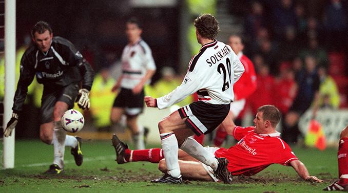 En 1999 Solskjaer le marcó 4 goles en 12 minutos al Nottingham Forest - Odio Eterno Al Fútbol Moderno