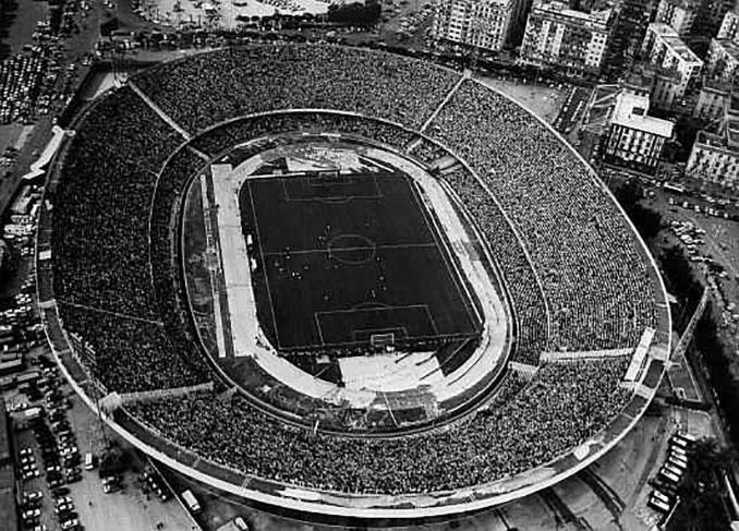 Vista panorámica de San Paolo en la década de 1980 - Odio Eterno Al Fútbol Moderno