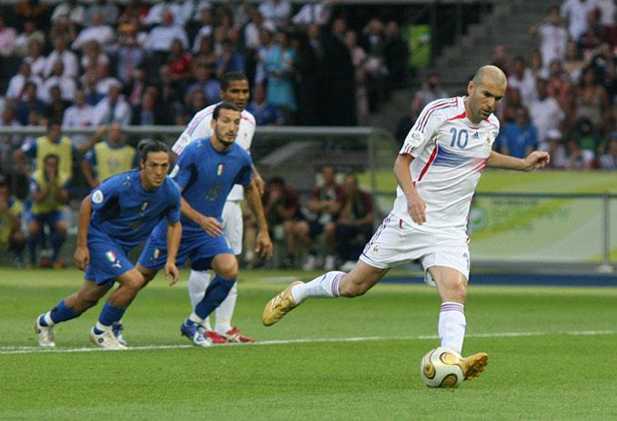 """Zidane marcó a lo """"Panenka"""" en la final del Mundial de 2006 - Odio Eterno Al Fútbol Moderno"""