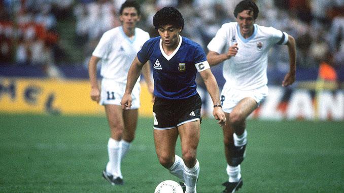 Maradona en el Argentina vs Uruguay del Mundial de 1986 - Odio Eterno Al Fútbol Moderno