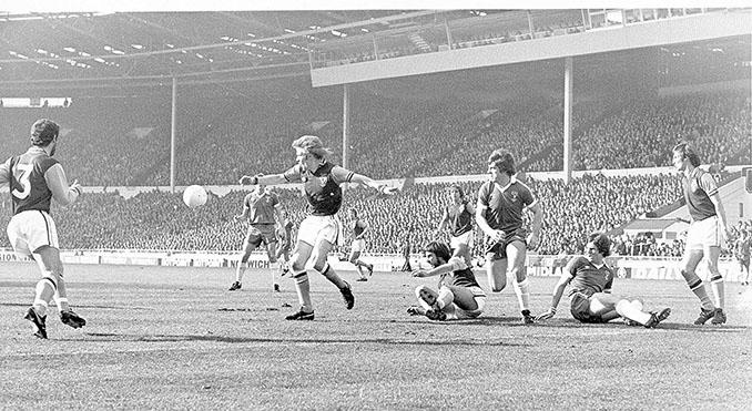 Aston-Villa vs Everton protagonizaron la final más larga del fútbol británico - Odio Eterno Al Fútbol Moderno