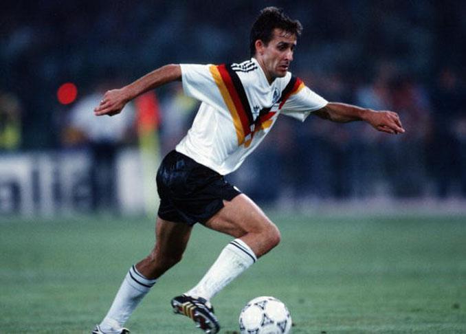 Pierre Littbarski con la selección alemana - Odio Eterno Al Fútbol Moderno