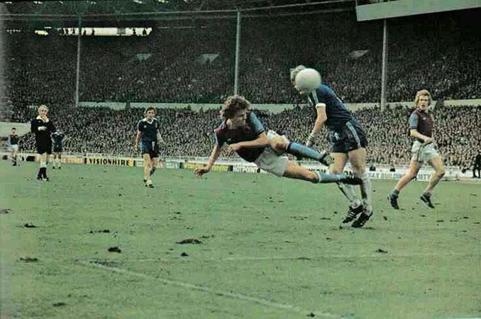 Aston Villa vs Everton en la final de la League Cup de 1977 - Odio Eterno Al Fútbol Moderno