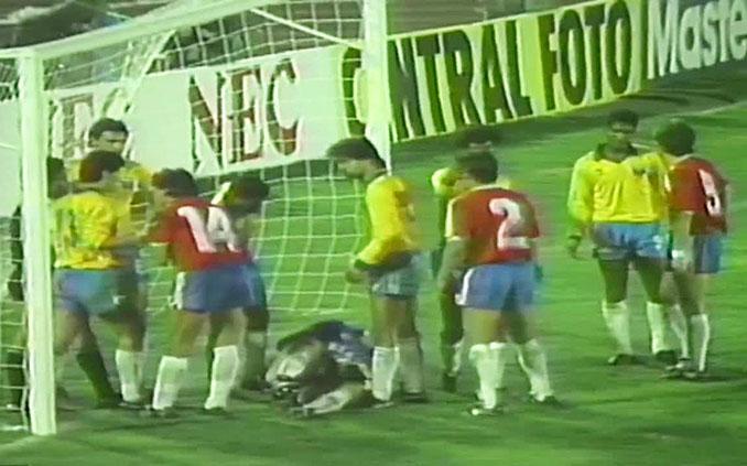 Tangana en el Chile vs Brasil disputado el 13 de agosto de 1989 - Odio Eterno Al Fútbol Moderno