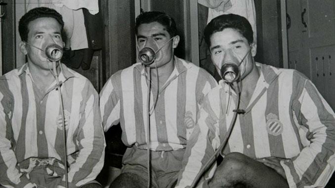 Jugadores del Espanyol usando oxigeno durante la recuperación - Odio Eterno Al Fútbol Moderno