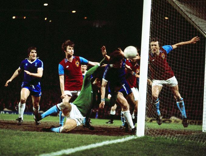 Final de la League Cup de 1977 entre Aston Villa y Everton - Odio Eterno Al Fútbol Moderno