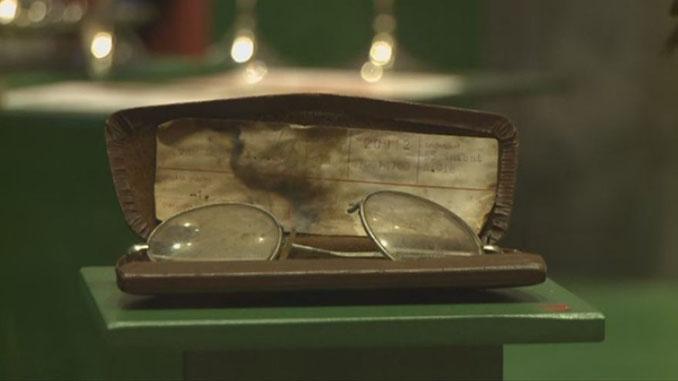 Las gafas de Van Daele en el museo del Feyenoord - Odio Eterno Al Fútbol Moderno