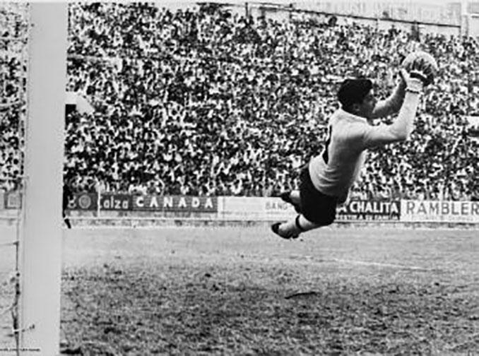 """""""Tubo"""" Gómez en un derbi Chivas vs Atlas - Odio Eterno Al Fútbol Moderno"""