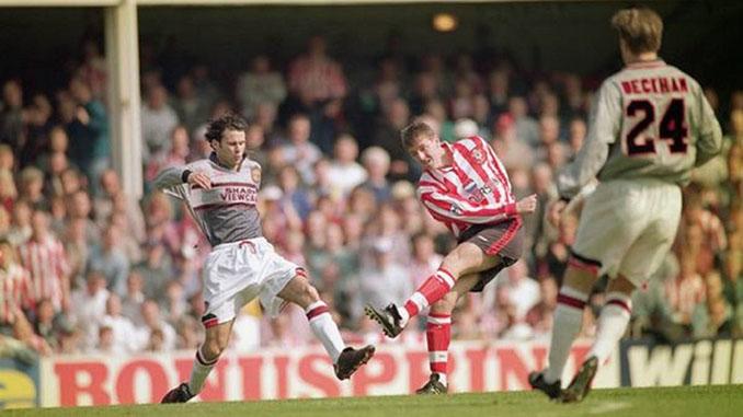 "Tercera camiseta del Manchester United en la 1995-1996, la camiseta ""invisible"" - Odio Eterno Al Fútbol Moderno"