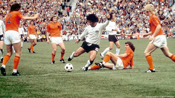 """Gerd """"Torpedo"""" Müller en la final del Mundial de 1974 - Odio Eterno Al Fútbol Moderno"""