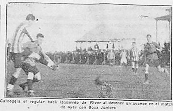Recorte de periódico sobre el primer Superclásico Boca vs River - Odio Eterno Al Fútbol Moderno
