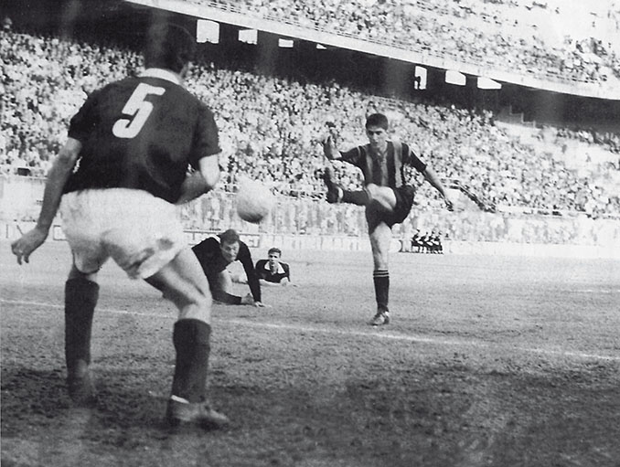 Domenghini marcó un hat trick en la final de la Copa de Italia de 1963 entre Atalanta y Torino - Odio Eterno Al Fútbol Moderno