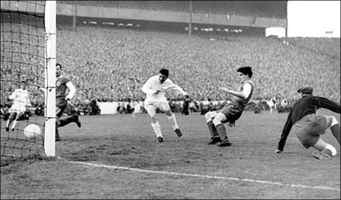 Puskas anotó un poker de goles en la final de la Copa de Europa de 1960 - Odio Eterno Al Fútbol Moderno