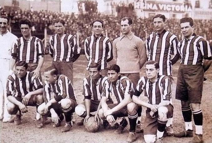 Durante más de dos décadas la camiseta de River Plate fue tricolor con franjas verticales - Odio Eterno Al Fútbol Moderno