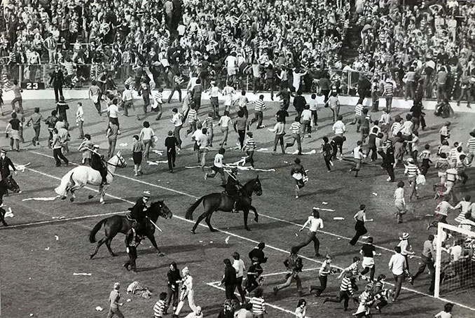 Multitudinaria pelea durante el Old Firm de la final de la Copa de Escocia de 1980 - Odio Eterno Al Fútbol Moderno