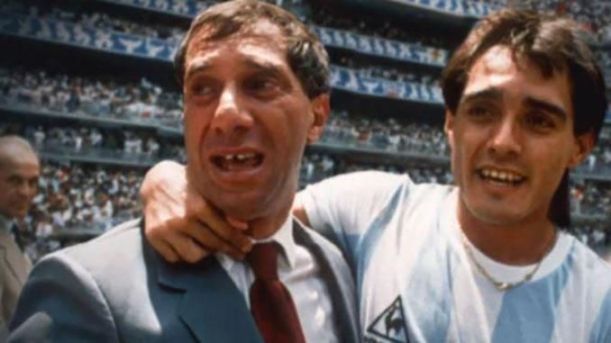 """Bilardo y el """"Tata"""" Brown celebrando el título de campeones del mundo - Odio Eterno Al Fútbol Moderno"""