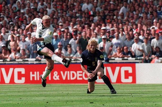 Gascoigne marcó uno de sus mejores goles en el Inglaterra vs Escocia de la. Eurocopa 1996 - Odio Eterno Al Fútbol Moderno