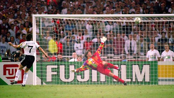 Möller marcó el penalti definitivo en el Inglaterra vs Alemania de la Eurocopa 1996 - Odio Eterno Al Fútbol Moderno