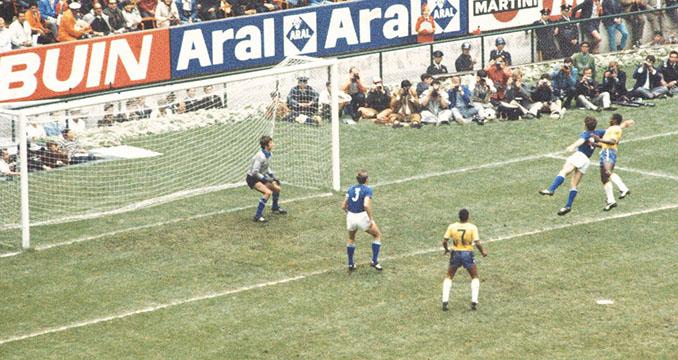 Gol de Pelé a Italia en la final de la Copa del Mundo de 1970 - Odio Eterno Al Fútbol Moderno