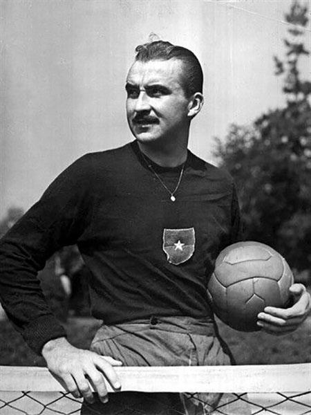 Sergio Livingstone es el futbolista que más partidos ha disputado en la Copa América - Odio Eterno Al Fútbol Moderno