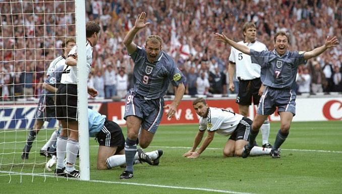 Shearer abrió el marcador en el Inglaterra vs Alemania de la Eurocopa 1996 - Odio Eterno Al Fútbol Moderno