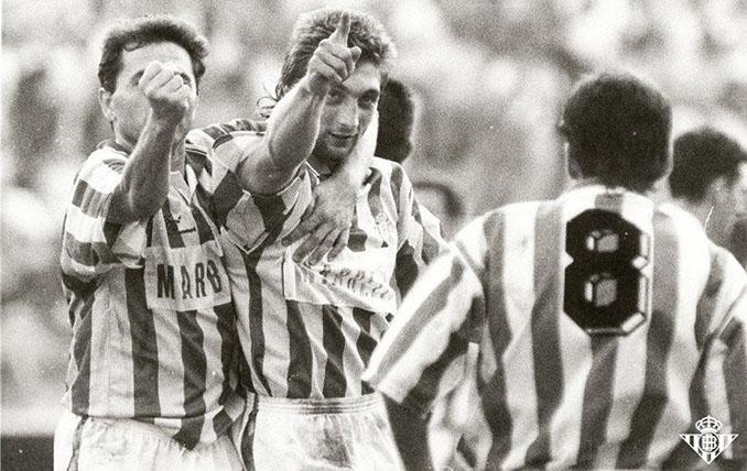 Trifon Ivanov durante su etapa en el Real Betis - Odio Eterno Al Fútbol Moderno