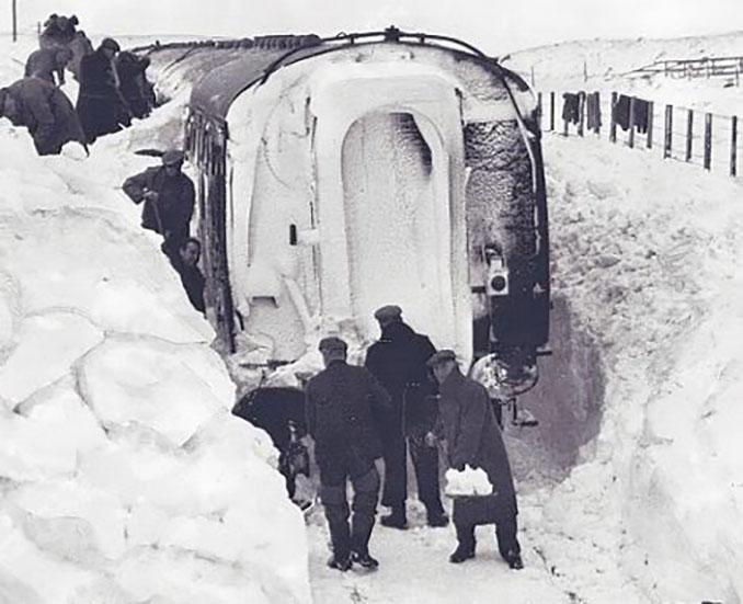 """El """"Big Freeze"""" dejó más de un metro de nieve en muchas zonas de las islas británicas - Odio Eterno Al Fútbol Moderno"""